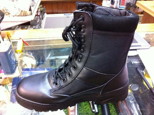 Thinsulate water proof boots, £49.99
